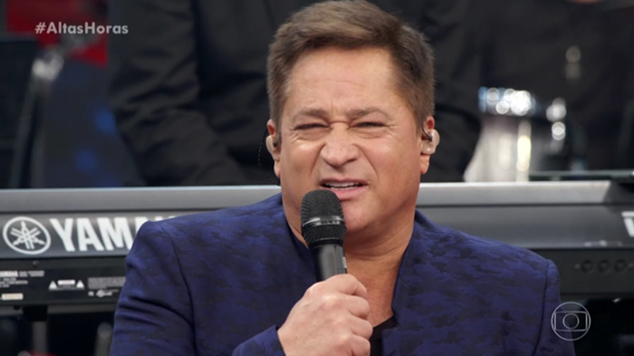 Leonardo revelou decepção com show de Sandy e Júnior no Altas Horas e foi rebatido por Chitãozinho (Foto: Reprodução/Globo)