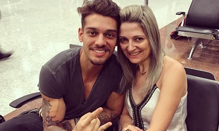 Lucas Lucco e a mãe (Foto: Reprodução)
