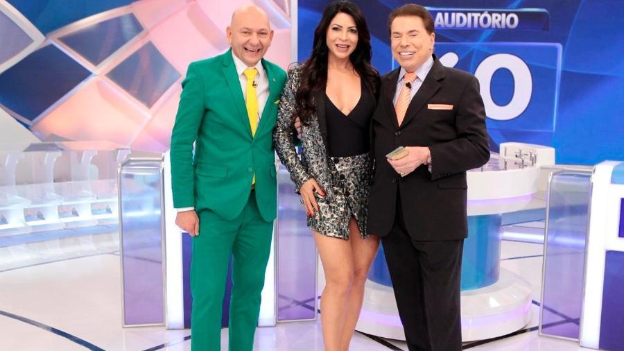 Silvio Santos, Luciano Hang e Sylvia Designer (Foto: Divulgação/ SBT)