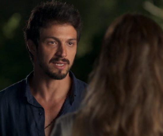Romulo Estrela em cena de Bom Sucesso na Globo (Foto: Reprodução)