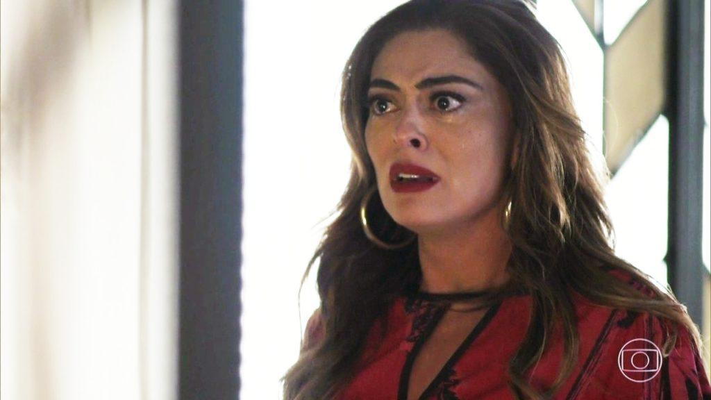 Juliana Paes dá vida a Maria da Paz na trama da Globo. Audiência de A Dona do Pedaço explode com surra em filha (Foto: Reprodução)