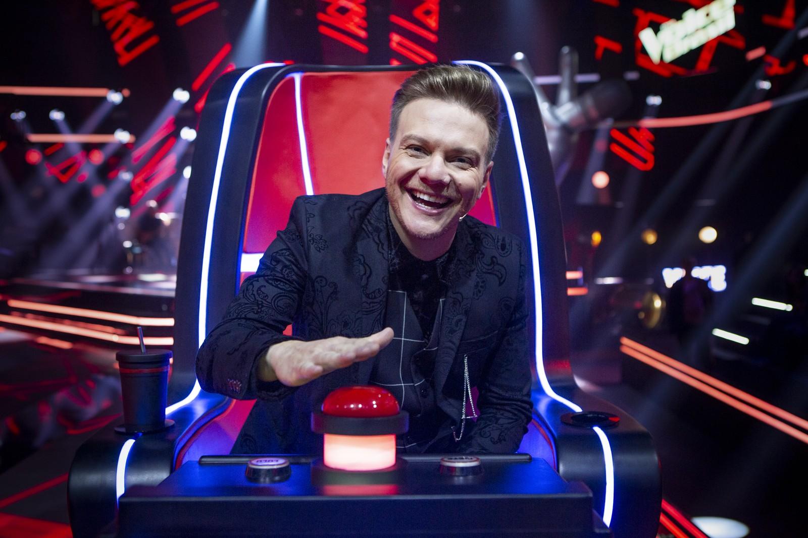 O cantor Michel Teló, técnico do programa The Voice Brasil (Foto: Reprodução)