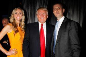 Presidente Donald Trump, seu filho Eric e Lara (Foto: Reprodução)