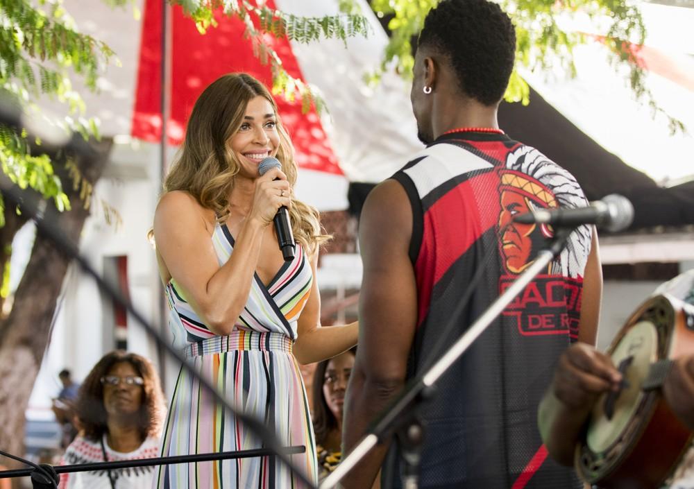 Paloma surpreende Ramon em Bom Sucesso