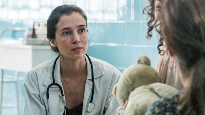 Marjorie Estiano em cena de Sob Pressão na Globo. (Foto: Divulgação)