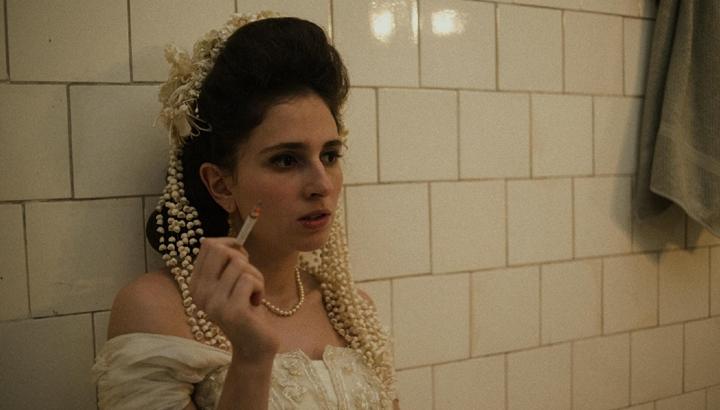 Carol Duarte em cena do filme A Vida Invisível de Eurídice Guimarães. (Foto: Divulgação)