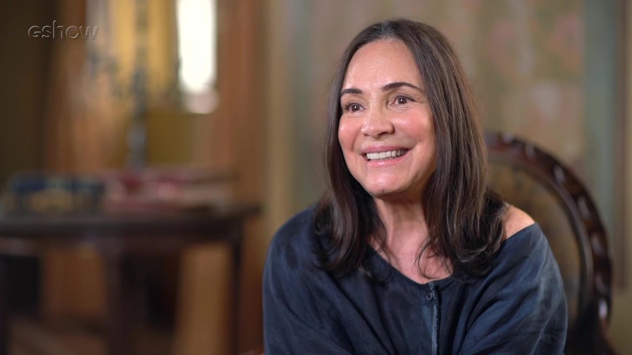 A atriz Regina Duarte concedeu entrevista recente ao TV Fama sobre estar afastada das novelas da Globo (Foto: Reprodução)