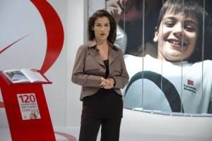 Renata Vasconcellos em vídeo para o Bradesco: emissora vai mudar regras sobre trabalhos extras de elenco jornalístico (Reprodução/VEJA)