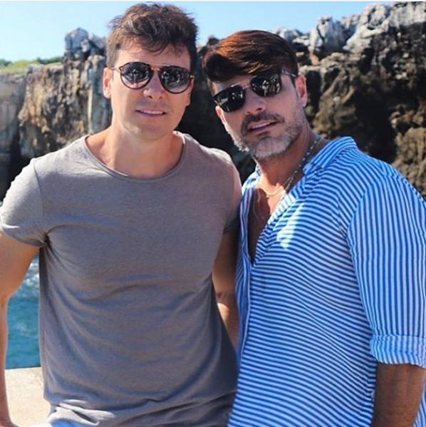 Apresentador do Hora do Faro da TV Record Rodrigo Faro e seu irmão, o modelo Danilo Faro (Foto: Reprodução/ Instagram)