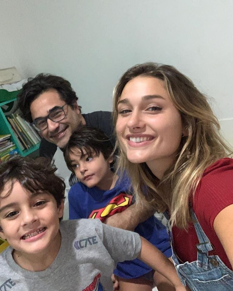 Sasha Meneghel se divertiu na companhia dos irmãos e de Luciano Szafir, seu pai (Foto: Reprodução/ Instagram)