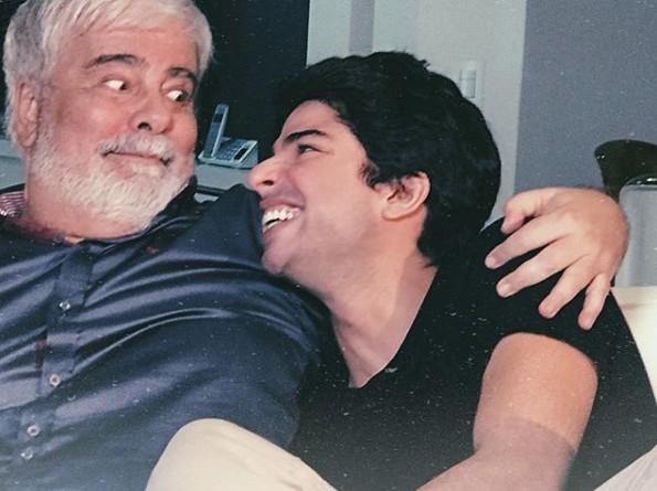 Diego Montez e seu pai, Wagner Montes (Foto: Reprodução)