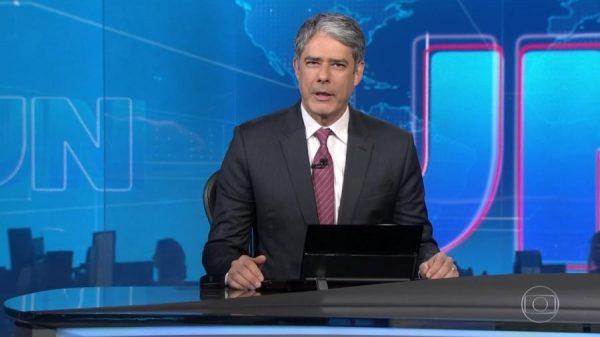 O jornalista William Bonner foi acusado de perseguição contra Lula ao comandar o Jornal Nacional globo (Foto: Reprodução)