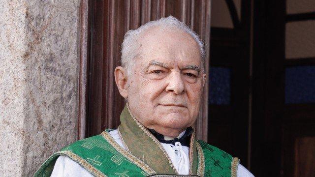Padre Venâncio (Othon Bastos) em Éramos Seis da Globo (Foto: Divulgação)
