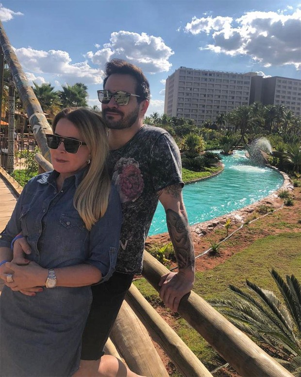 Zilu Godoi e o namorado Marco Ruggiero. Foto: Reprodução