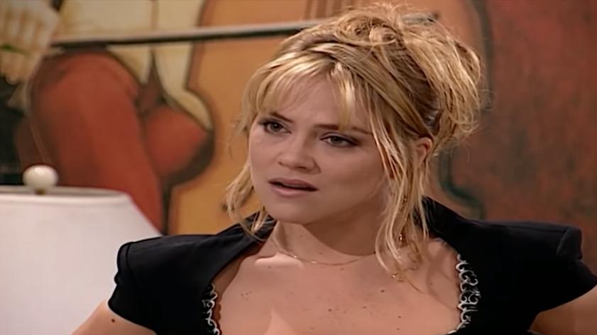 Laura (Vivianne Pasmanter) em cena na novela Por Amor, em reprise na sessão Vale a Pena ver de Novo. (Foto: Reprodução)