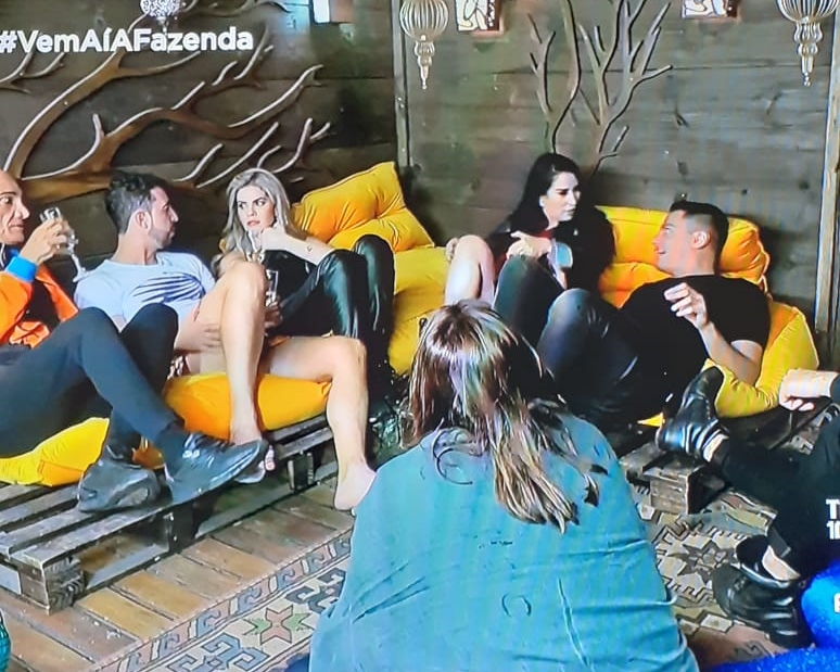 Leo Dias revela vontade de fazer cirurgia plástica no reality show A Fazenda. (Foto: Reprodução)