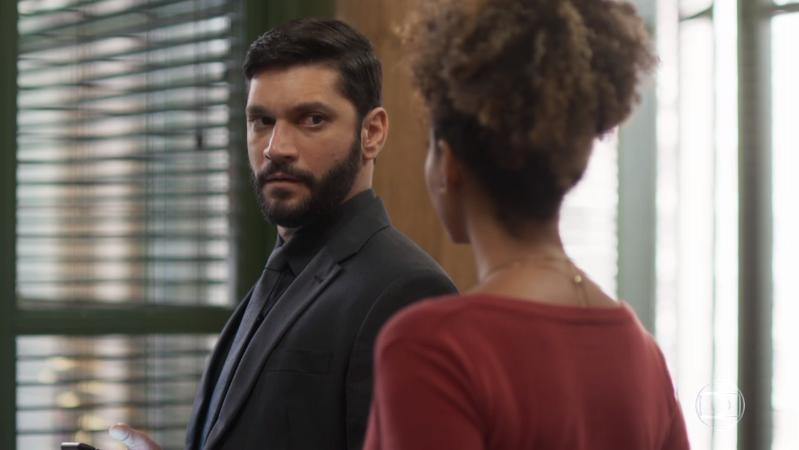 Diogo (Armando Babaioff) em cena da novela Bom Sucesso (Foto: Reprodução/Globo)