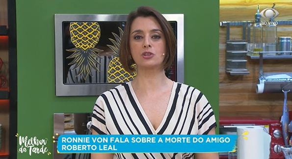 A apresentadora Catia Fonseca é contratada da Band e apresenta o Melhor da Tarde. Ronnie Von reencontrou a amiga ao vivo. (Foto: Reprodução)