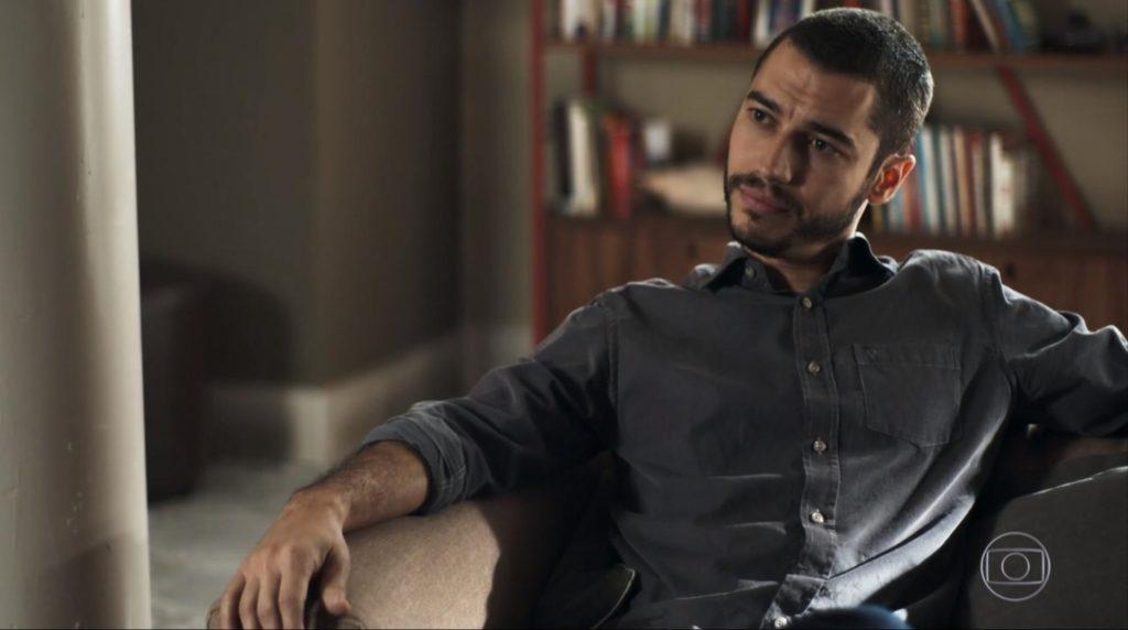 Camilo (Lee Taylor) em cena na novela A Dona do Pedaço, trama das nove da Globo. (Foto: Reprodução)