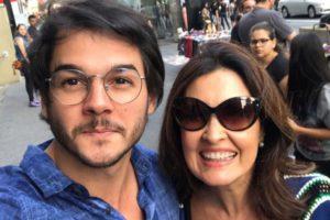 O deputado federal Túlio Gadêlha, namorado de Fátima Bernades, participou da 18º parada LGBT de Recife (Foto: Reprodução)