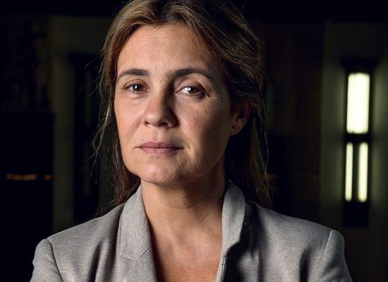 Adriana Esteves será Thelma em Amor de Mãe, próxima novela das nove da Globo (Foto: Globo/Ramón Vasconcelos)