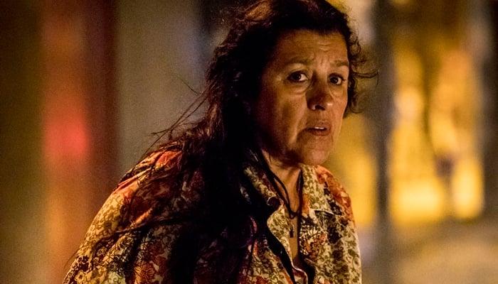 Lurdes (Regina Casé) em Amor de Mãe, próxima novela das nove da Globo (Foto: Globo/João Cotta)