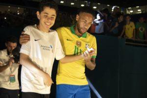 Neymar em sua volta aos campos no jogo Brasil x Colômbia, que teve menos audiência que o Jornal Nacional (Foto: Lucas Figueiredo/CBF)