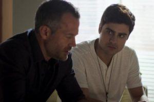 Leandro (Guilherme Leicam) e Agno (Malvino Salvador) em A Dona do Pedaço (Reprodução: TV Globo)