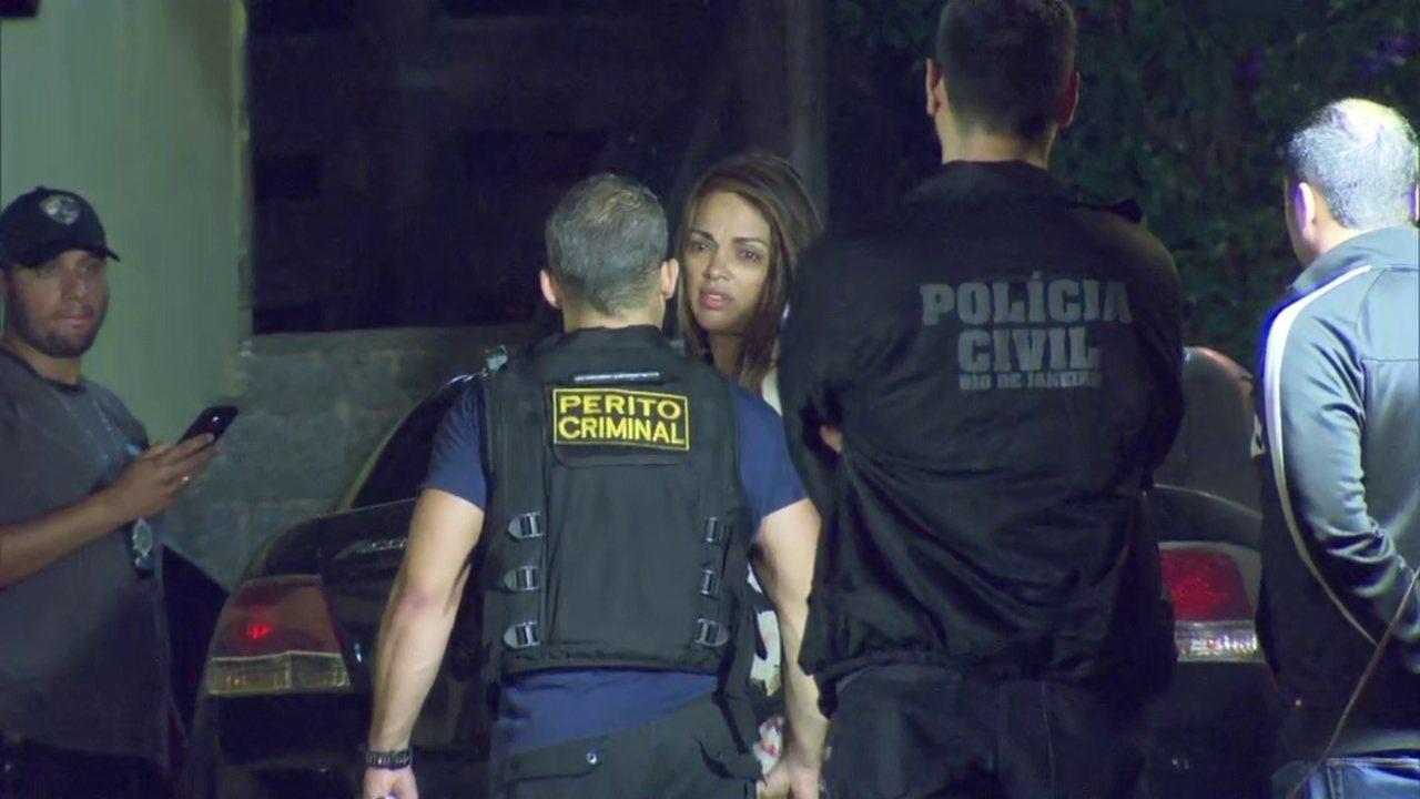 A Deputada Federal Flordelis teve que participar da reconstituição do assassinato de Anderson do Carmo (Foto: Globo)