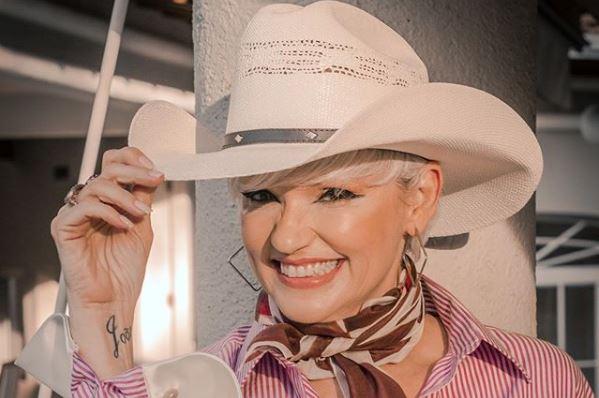 ex-atriz do SBT, Andréa Nóbrega conquista lugar entra as favoritas para ganhar o reality show da Record (Foto: Reprodução)