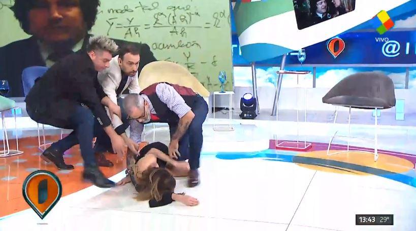Daniela Mori teve um AVC ao vivo na televisão argentina (Foto: Reprodução/Twitter)