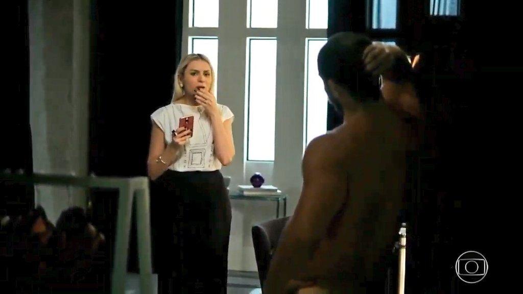 O ator roubou a cena em A Dona do Pedaço ao interpretar Paixão e surgir completamente pelado (Foto: Divulgação)