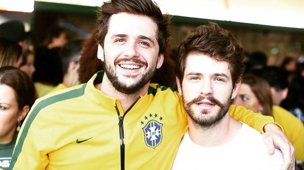 Os atores da Globo, Gil Coelho e o ex de Bruna Marquezine, Maurício Destri (foto: Reprodução)