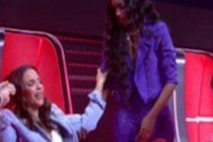 Ivete Sangalo passando mal no The Voice Brasil (Foto: Reprodução)