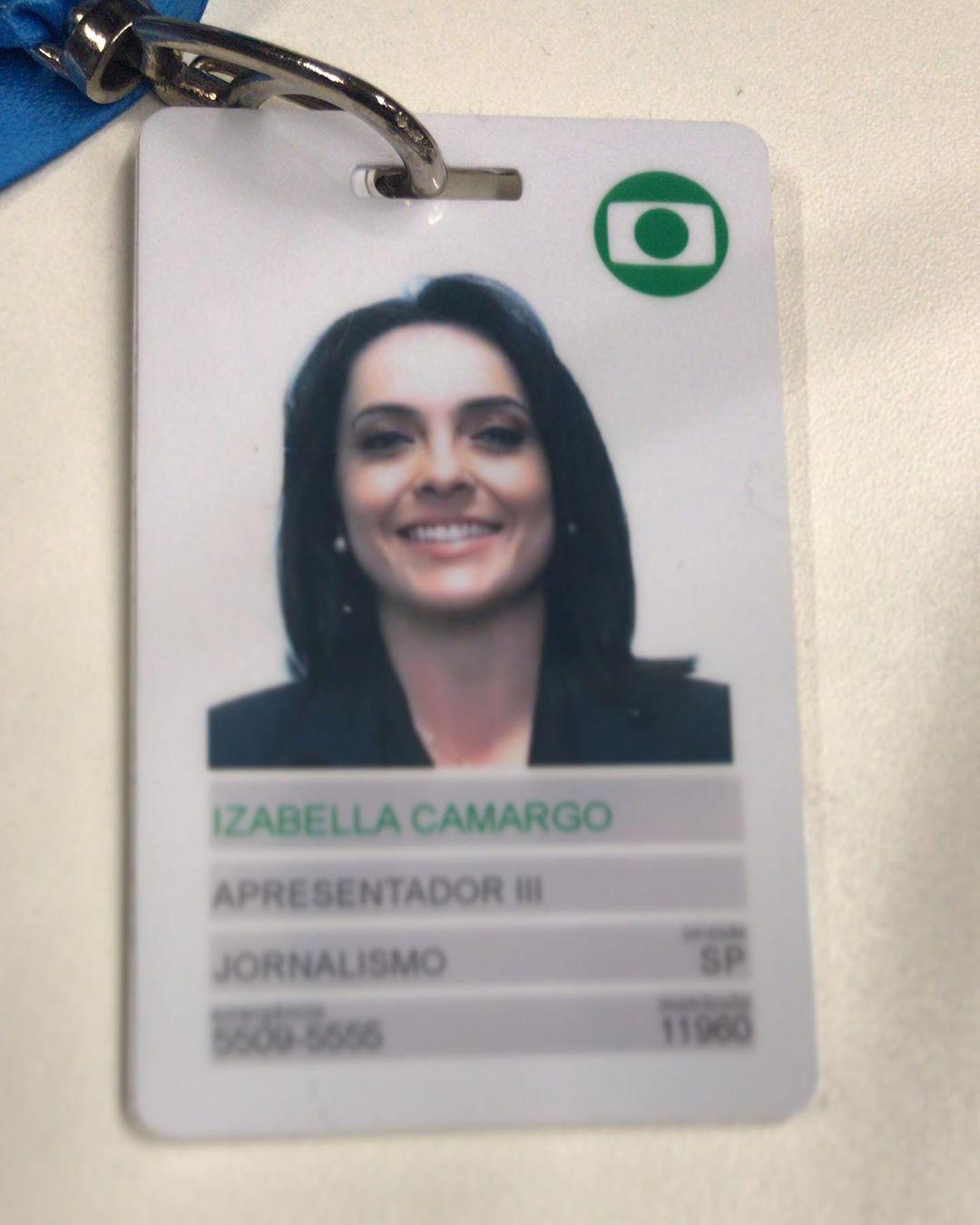 Izabella Camargo publicou crachá da Globo (Foto: Reprodução/Instagram)