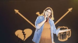 Marília Mendonça evita contato com os fãs na reta final da gravidez (Foto: Reprodução)