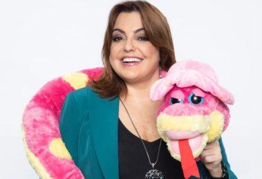 A famosa apresentadora da A Hora da Venenosa da Record, Fabíola Reipert fez um alerta surreal para os seus seguidores (Foto: Divulgação Record)