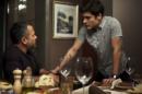 Agno (Malvino Salvador) será consolado por Leandro (Guilherme Leicam) e os dois terão romance em A Dona do Pedaço (Foto: Reprodução/Globo)