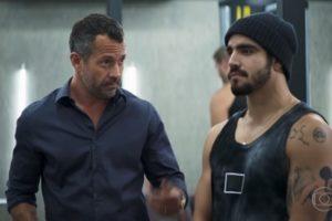 Agno e Rock em cena da novela das 21h da Globo, A Dona do Pedaço (Foto: Reprodução)