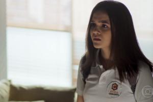 Cássia (Mel Maia) rejeitará pai gay em A Dona do Pedaço (Foto: Reprodução/Globo)