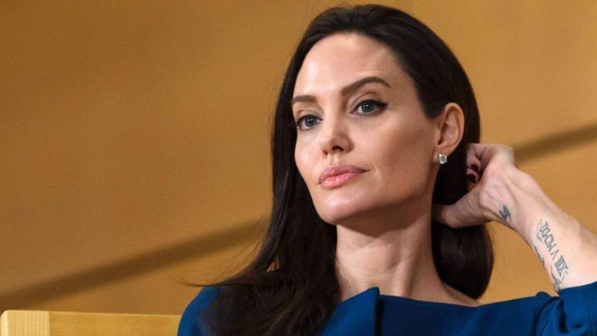 A atriz Angelina Jolie fala o que pensa sobre o Brasil durante entrevista (Foto: Reprodução)