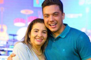 Wesley Safadão e a mãe, Dona Bil (Foto: Reprodução/Instagram)