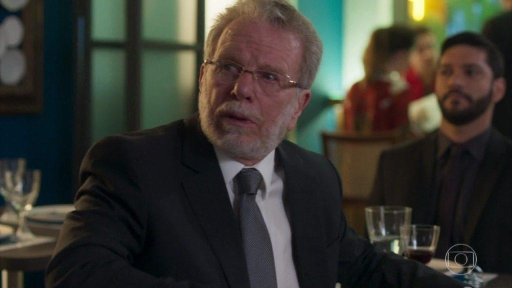 Eric (Jonas Bloch) em cena de Bom Sucesso