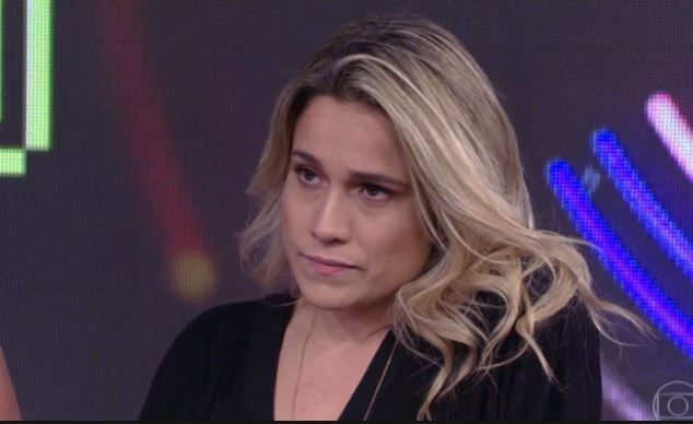 A apresentadora do novo programada da Globo, Se Joga é detonada por contratados da emissora (Foto: reprodução)