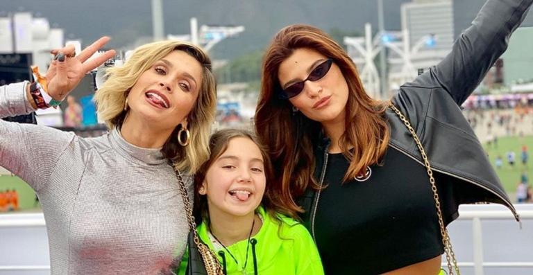 Flávia Alessandra, a filha e amiga no Rock in Rio. Foto: Reprodução