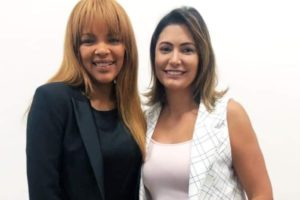 Michelle Bolsonaro ao lado de Flordelis (Foto: Reprodução)