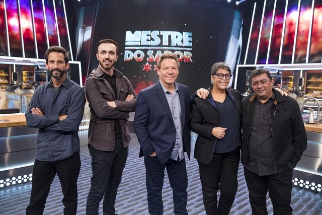 José Avillez, Leo Paixão, Claude Troisgros, Kátia Barbosa e Batista no lançamento de Mestre do Sabor (Foto: Globo/Victor Pollack)