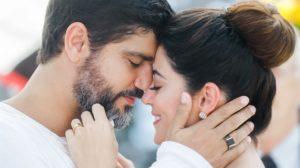 Helena (Carol Castro) e Hussein (Bruno Cabrerizo) em cena de Órfãos da Terra; final definido (Foto: Globo/Raquel Cunha)