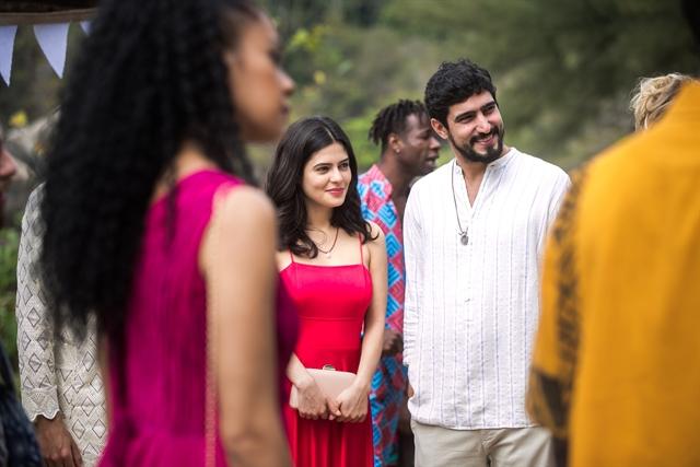 Laila (Julia Dalavia) e Jamil (Renato Góes (Foto: Globo/Raquel Cunha)