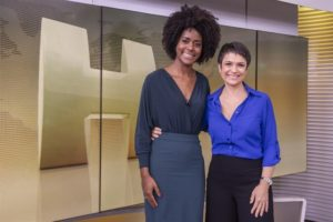 Maju Coutinho e Sandra Annenberg no estúdio do Jornal Hoje (Foto: Globo/Fábio Rocha)